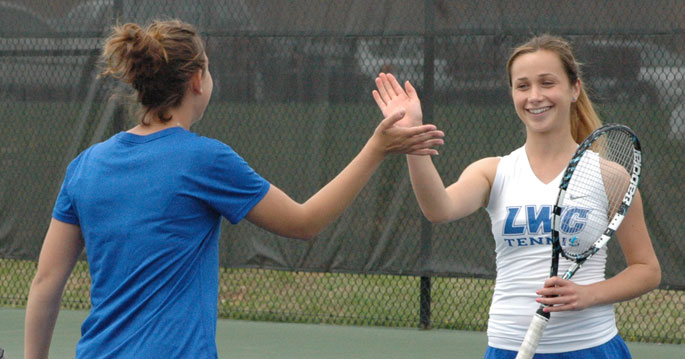 Anna Gaprindashvili (right) won the decisive point today in LWC's 5-4 win