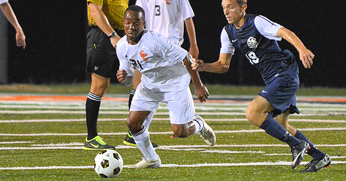 Aaron Stover (left) is the Mid-South Men�s Soccer Offensive Player of the Week. Photo by Richard Davis
